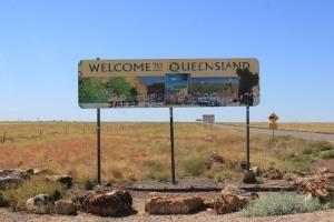 Welcome to Queensland (een van de lelijkste welkomstborden ooit)